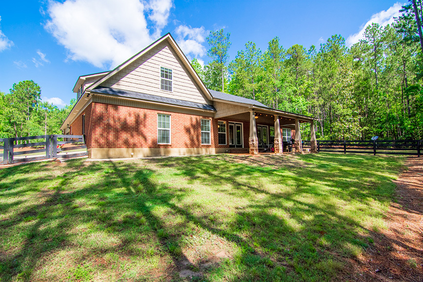 front view of house, 44 viburnum way, pine mountain ga, vacation house, mountain house, grass, nature, housing for sale