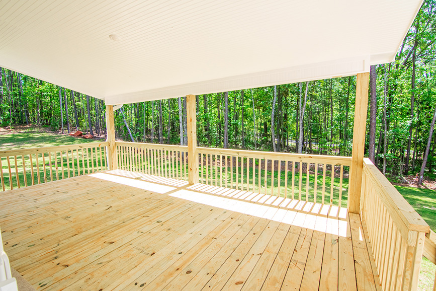 Home Near Callaway Gardens, outside porch, trees, pine mountain ga, john brunn realty