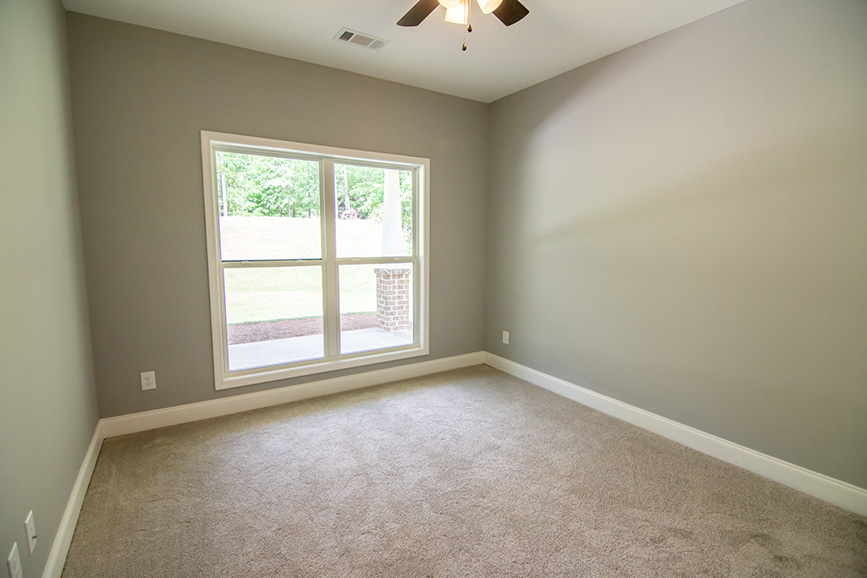 wide open room at 74 Viburnum way, pine mountain ga, carpeted room