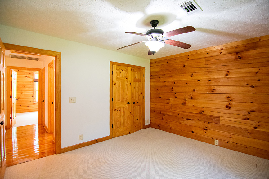 John bunn realty housing options in hamilton ga wood sidings and carpeted flooring