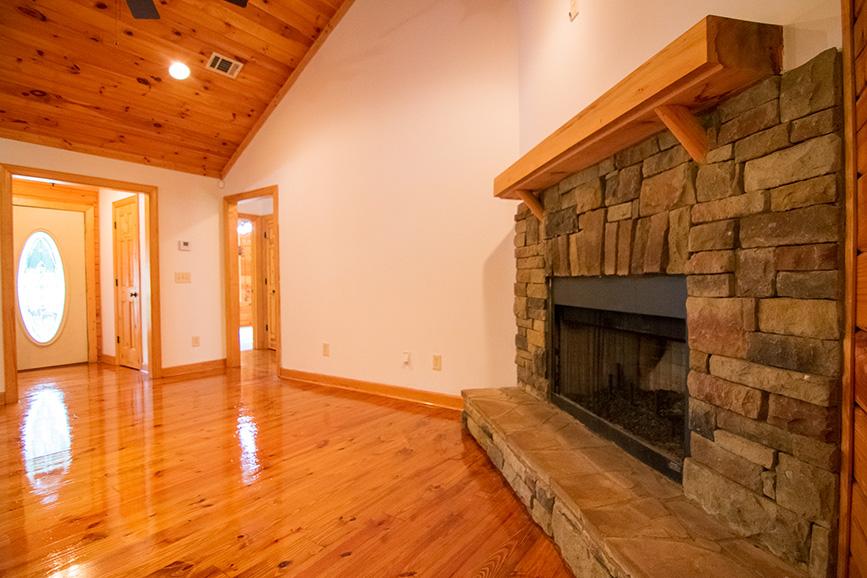 john bunn realty lists home with fire place hamilton ga
