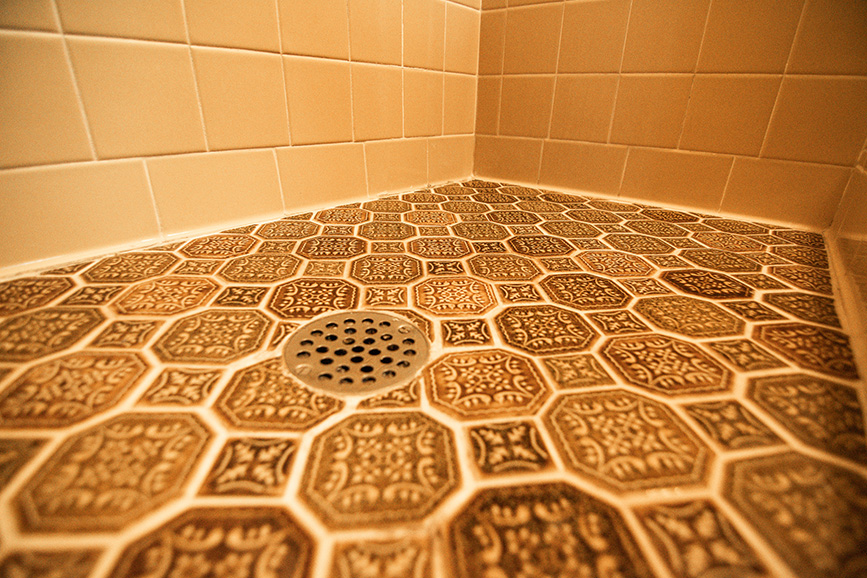 Tile flooring in bathroom that john bunn realty listed