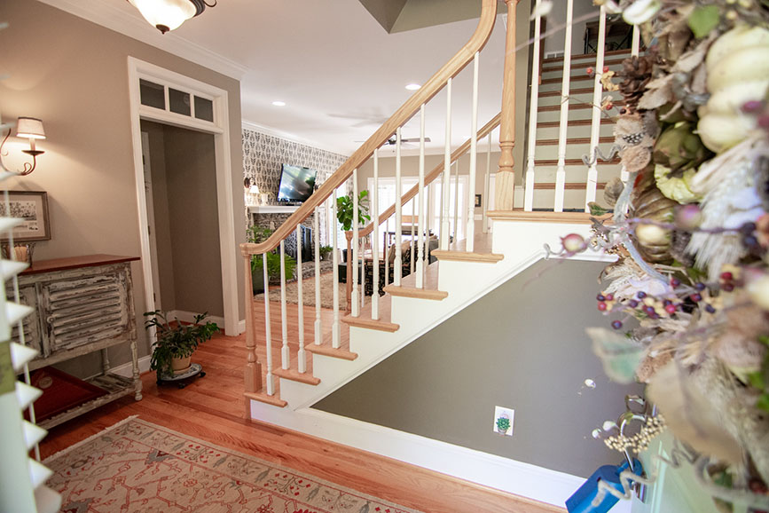 stairway and living room house for sale harris county ga